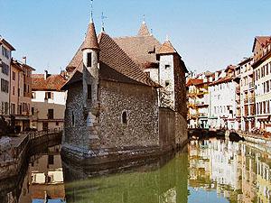 Annecy hat eine pittoreske historische Altstadt