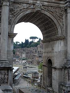 Latein öffnet den Blick – nicht nur in die Welt der Antike.
