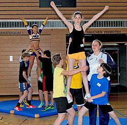 Cheerleading ist eine Mischung aus Akrobatik und Tanz