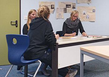 Zwei Personalmitarbeiter von Cybex simulierten die Bewerbergespräche.