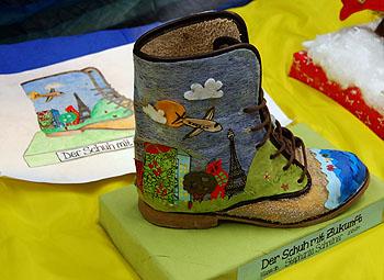 Der Schuh mit Zukunft von wurde mit einem Preis beim Europäischen Wettbewerb ausgezeichnet.