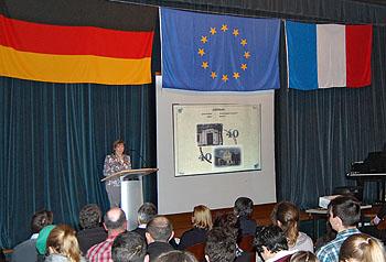 Schulleiterin Ursula Graf ging auf die Geschichte des Austauschs ein.