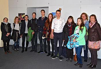 Schulleiterin Ursula Graf (rechts) begrüßte die tschechischen Schüler und ihre Begleitlehrerin auf das herzlichste.