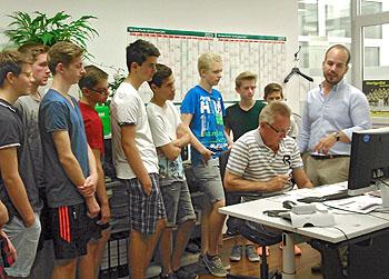 Die Schüler erfuhren, wie eine Zeitung produziert wird.