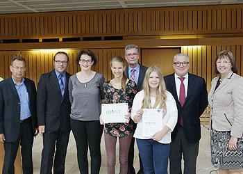Die RWG-Delegation mit Schulleiterin Ursula Graf (rechts) nahm die Auszeichnung stolz entgegen.