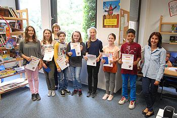 Schulleiterin Ursula Graf überreichte die Preise.