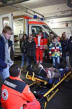 Auch ein echter Rettungswagen kam zum Einsatz.