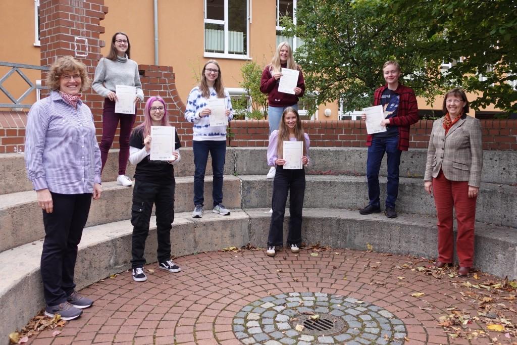 Äußerst erfolgreich beim Cambridge Sprachdiplom - CAE 2020 in Zeiten von COVID-19